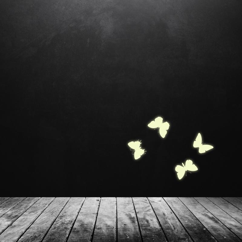 Samolepky na zeď - Svíticí samolepka na zeď - Motýlci 4 ks