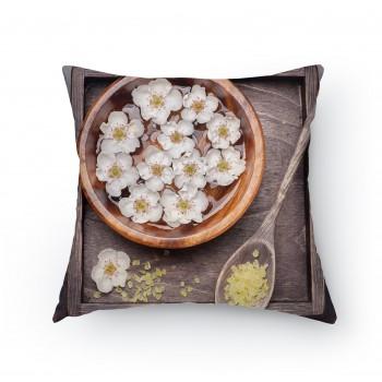 Polštářek - Bílé květy